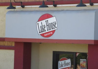 Lake House Tavern