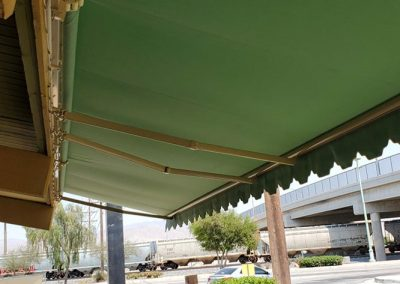 Retractable Restaurant Awning